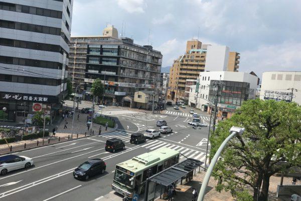 四条大宮店バス停も近くにあって利便性の高い立地条件も魅力の一つであります。