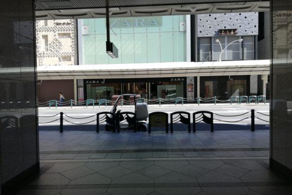 買取専門店TOKAI 四条河原町店地上に出ると正面に【ZARA】さんが見えます。